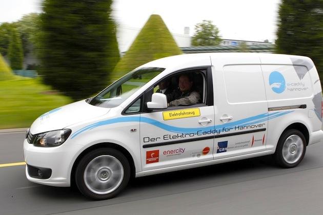 Der VW Elektro-Caddy geht in Hannover in den Alltagstest über – 7 Caddys stehen bereit.