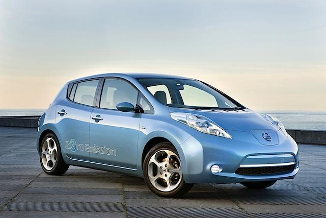 Nissan LEAF: Marktstart mit Elektromobilitäts-Paket
