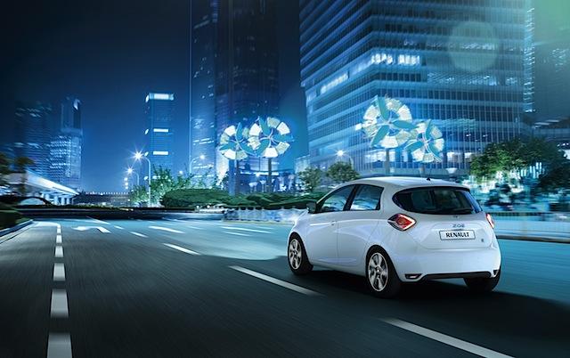 Renault Zoe mit 210 km Reichweite, Wärmepumpe, Sprachsteuerung und R-Link – ab € 20.600!
