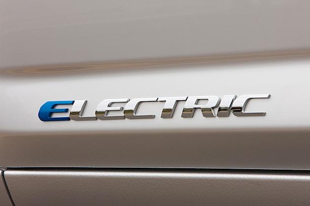 Toyota zeigt am 7. Mai den neuen RAV4 Electric