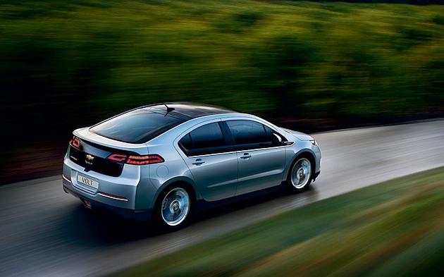 Das Elektroauto: Die Uhr steht auf Grün.