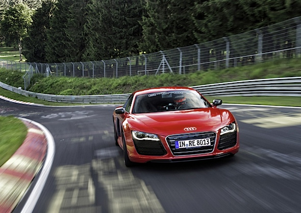 Audi R8 e-tron auf Rekordjagd