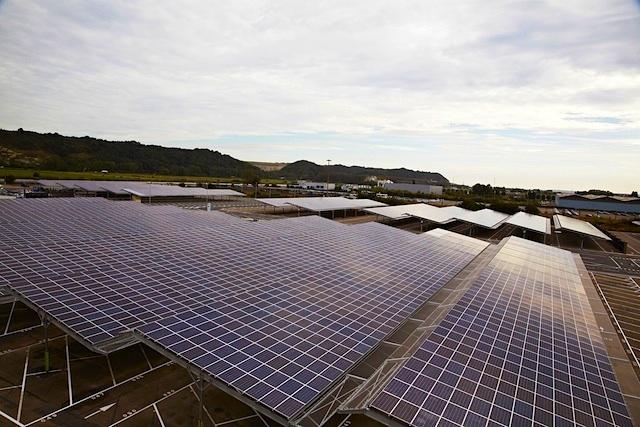 Renault mit größter Photovoltaikfläche weltweit