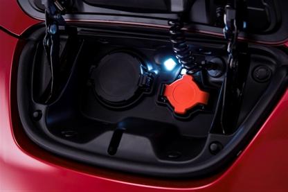 Viele Verbesserungen liegen im Detail, wie z.B. eine Beleuchtung bei den Steckerkupplungen.  Foto: Nissan