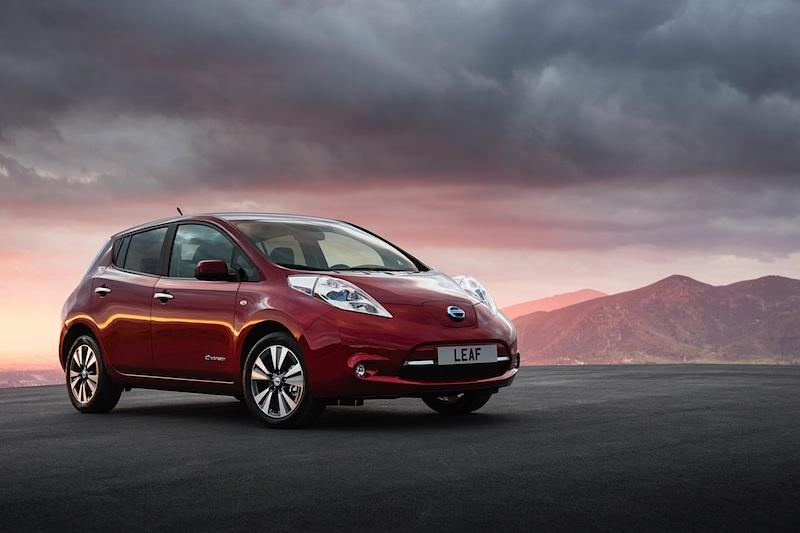 Der Nissan Leaf 2013 hat eine verbessert Reichweite (199 km) und eine Wärmepumpe - so wie der ZOE - on Board.  Foto: Nissan Deutschland