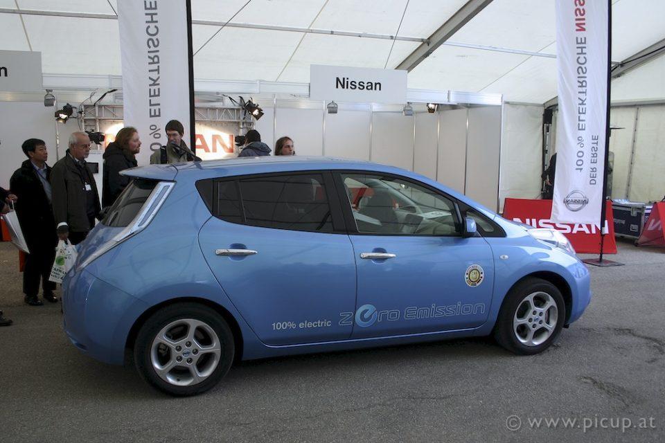 Unser erster Proband der Nissan Leaf: Fährt sich wirklich wunderbar, demnächst auch in Europa verfügbar. Der Preis ist zurzeit noch ungewiss.