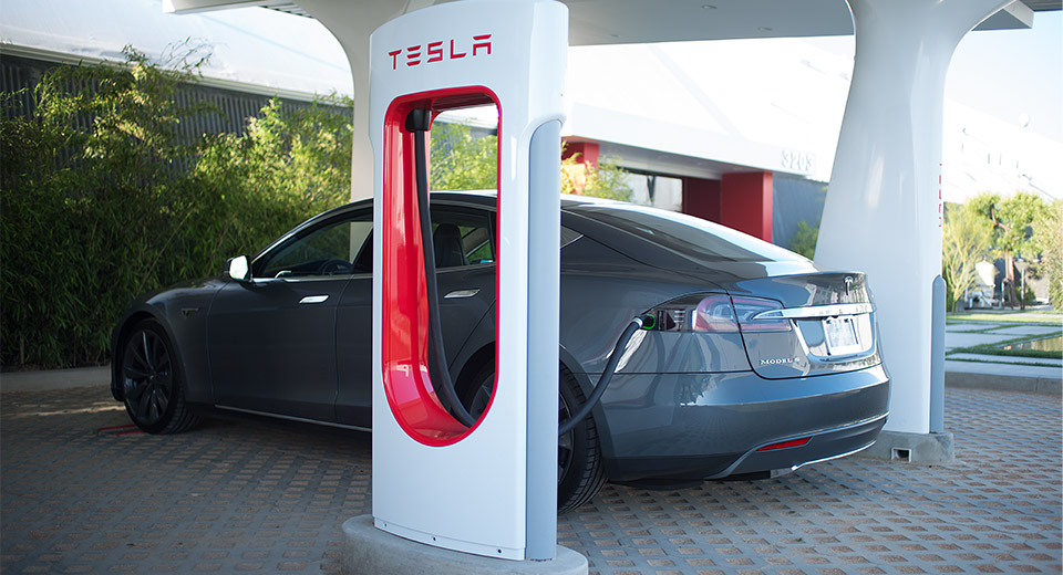Teslas Supercharger kommen nach Europa