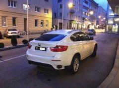 Benzinautos vor Ladestationen: Nicht nur verboten, sondern auch ganz schön fies!