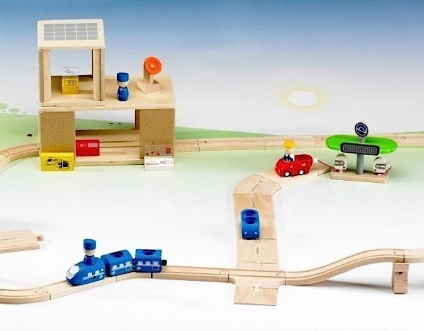 Elektroauto-Tankstelle Bahn aus Holz