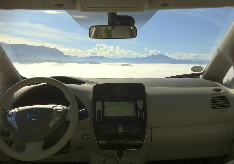 Über den Wolken und unter den Wolken. Gute Sicht ist vor allem im Winter absolut sicherheitsrelevant.