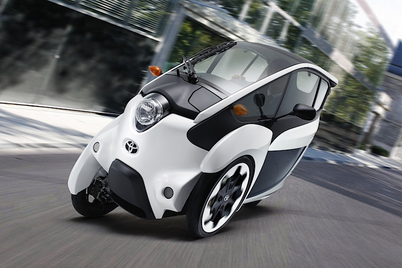 Toyota_i-road_01
