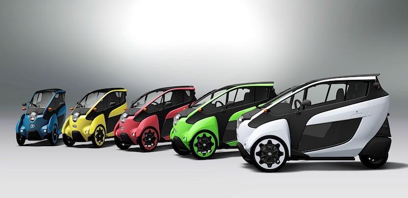 Der Einsitzer, der nun auf den Straßen Tokios zum Einsatz kommt, basiert auf dem Konzeptfahrzeug, das Toyota im vergangenen Herbst auf der Tokyo Motor Show präsentiert hatte, ist jetzt aber in fünf verschiedenen Farben erhältlich und bietet Verbesserungen bei Übersicht, Bedienung und Manövrierbarkeit.