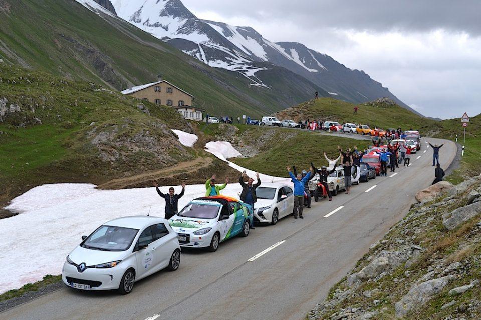 WAVE 2014 gestartet: Die weltgrößte E-Rallye mit Elektroauto-Weltrekordversuch in Stuttgart