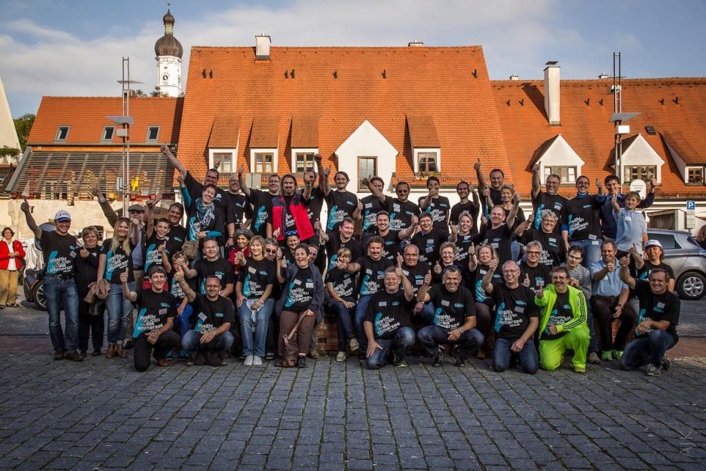 Das Team ZOE mit eigens gestalteten T-Shirts.  Foto: Alex Kibertus