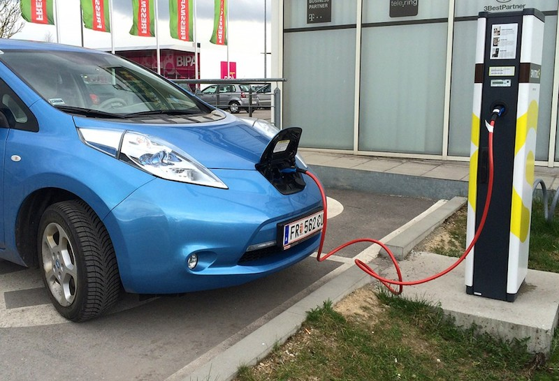Nissan Leaf when loading at a public charging station type2 Photo: Kreisel Electric GmbH