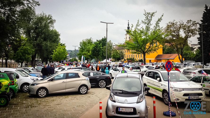"""""""Linz unter Strom"""" – Offenes Elektroauto-Treffen mit Weltrekordversuch"""