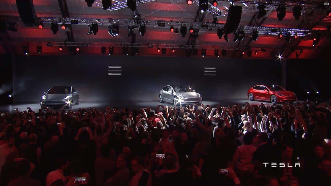 NEWS: Elon Musk präsentiert das neue Model 3 – 115.000 Reservierungen in 24 h (Bilder)
