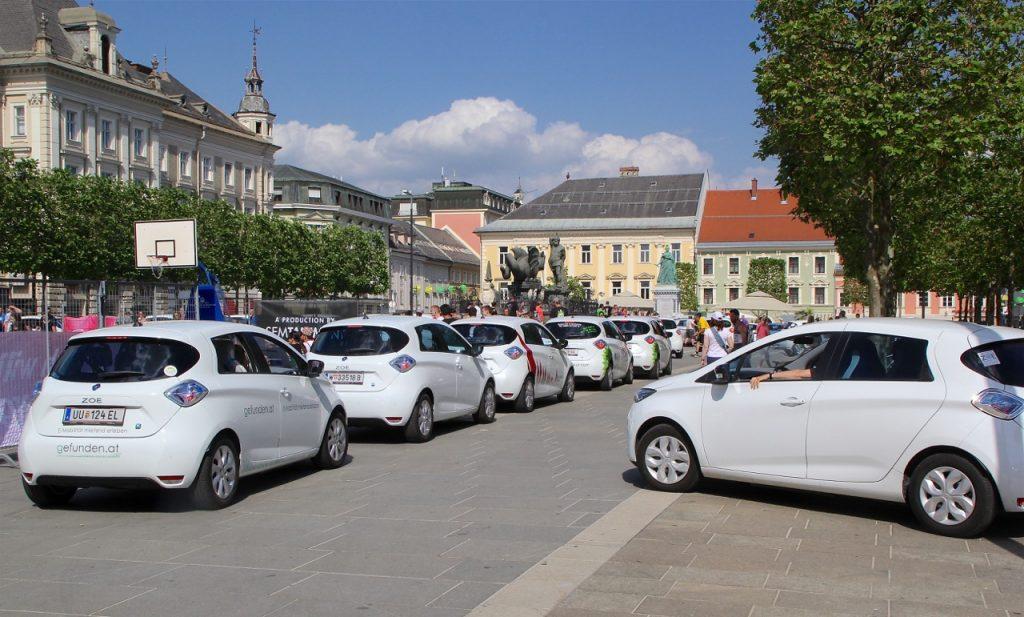 Treffpunkt in Klagenfurt beim Lindwurm 2.jpg