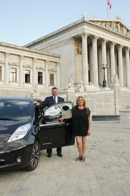 Verkehrsminister Leichtfried mit Doris Holler-Bruckner.jpg
