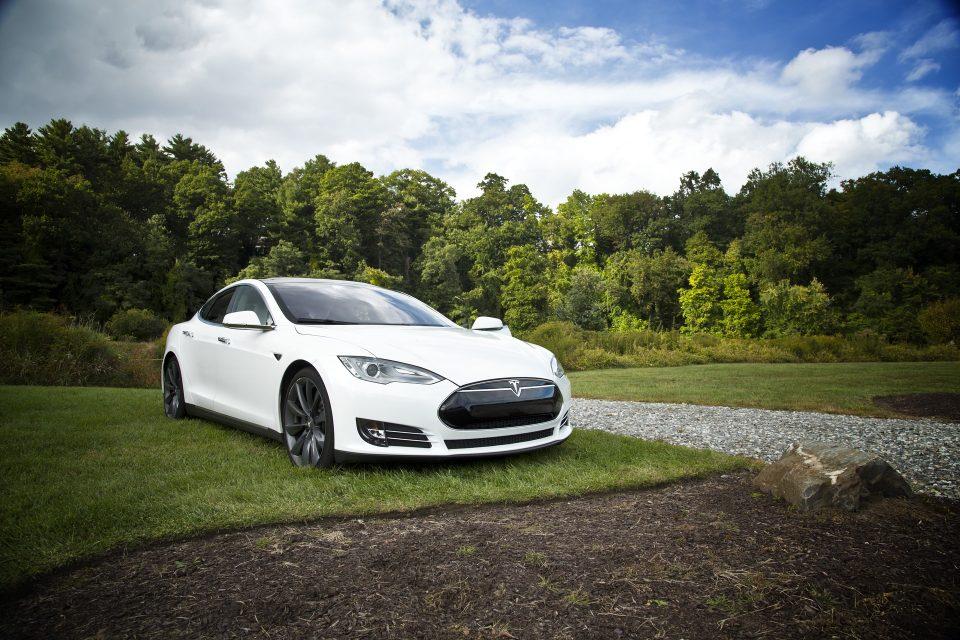 """""""Der Tesla geht aufs Zimmer"""" – Betten gegen E-Autos und E-Bikes tauschen"""