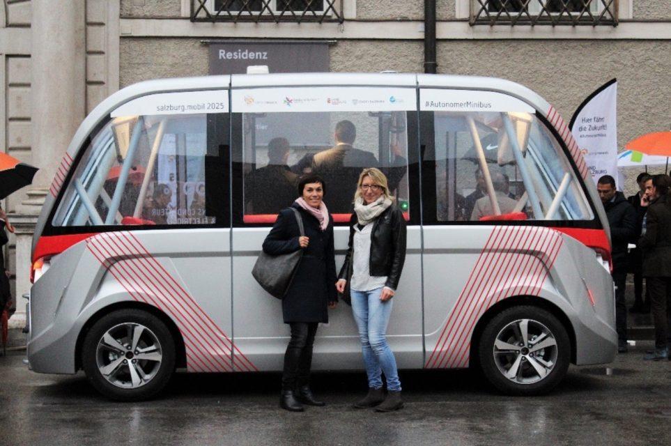 Premiere: selbstfahrender Minibus in Salzburg – LEADER Region FUMO und Salzburg Research Projektpartner