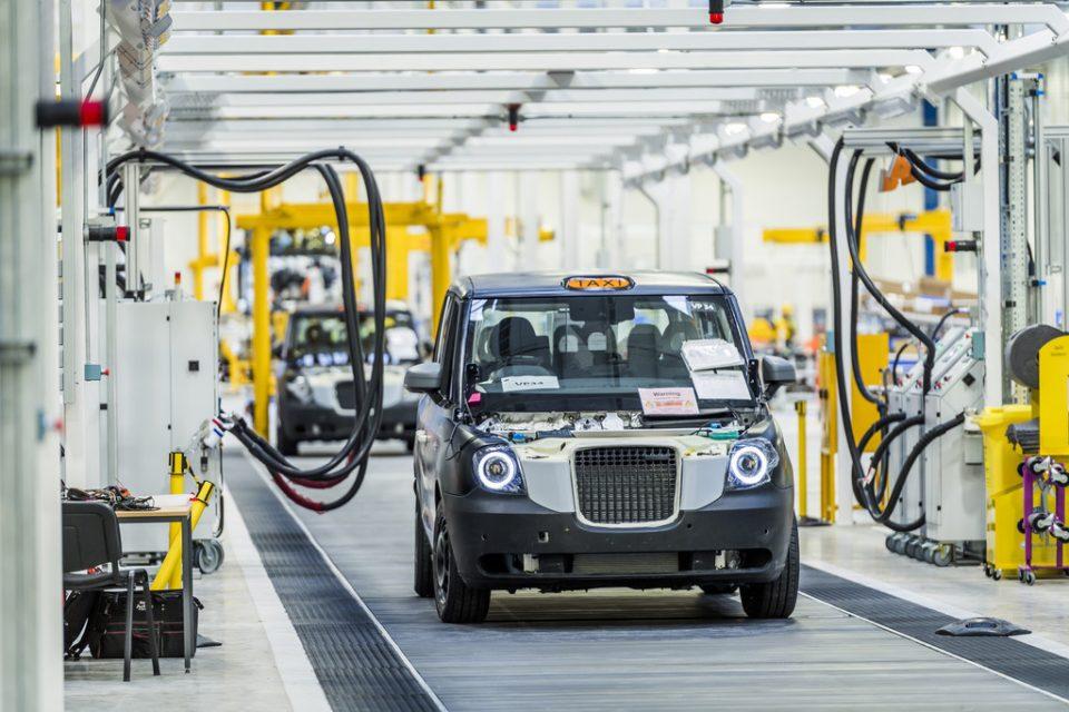 Das berühmte London-Taxi fährt ab sofort (rein)elektrisch in die Welt