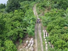 Die meisten Straßen in Ghana sind unbefestigt. Foto: Lehrstuhl für Fahrzeugtechnik / TUM