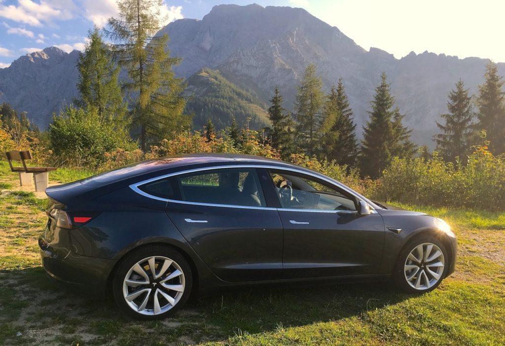 Tesla Model 3 - elektroautor.com