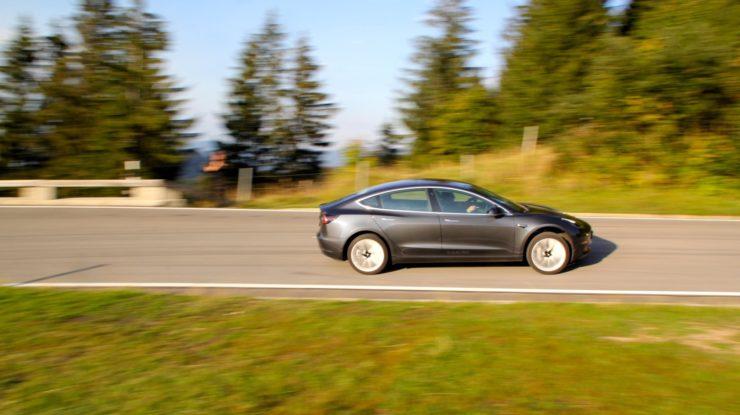 Tesla Model 3 im eintägigen Praxistest Folge 01
